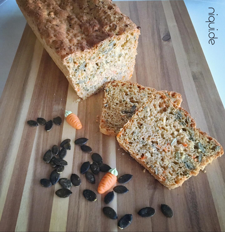 Kürbiskern-Möhren-Brot