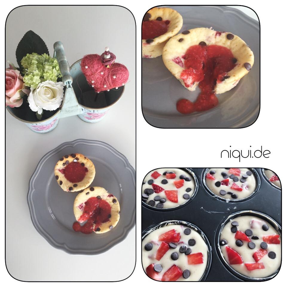 Mini-Cheesecake mit Erdbeeren und Schokodrops