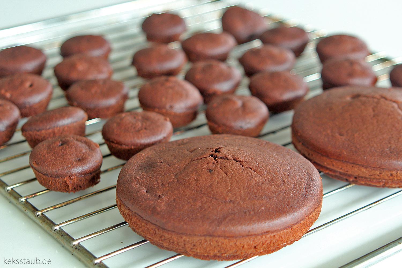 schokoholic cupcakes mit snickers creme. Black Bedroom Furniture Sets. Home Design Ideas