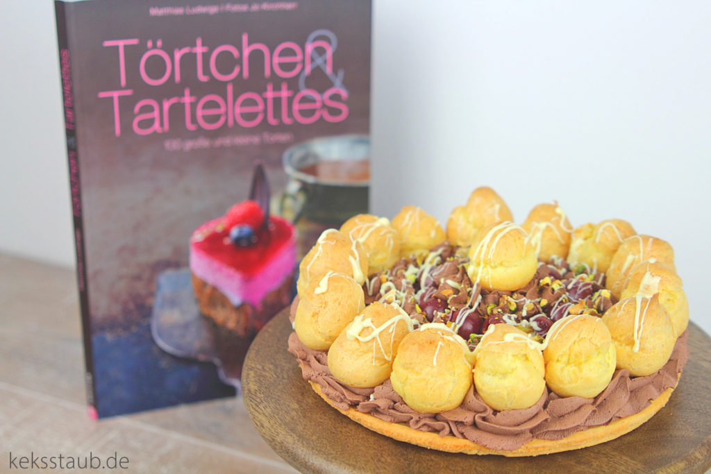 Windbeutel Schoko Kirsch Torte aus dem Buch on Tour von Törtchen Törtchen