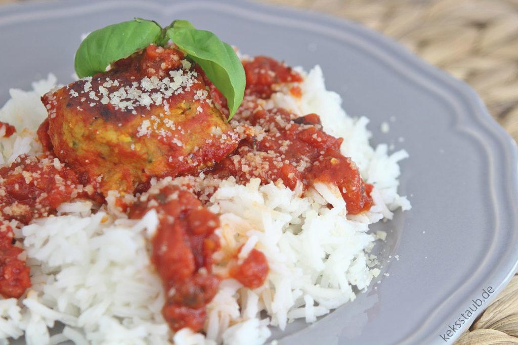 zuccini-ricotta-baellchen-mit-reis-und-tomatensosse meinThermo - meinZaubertopf
