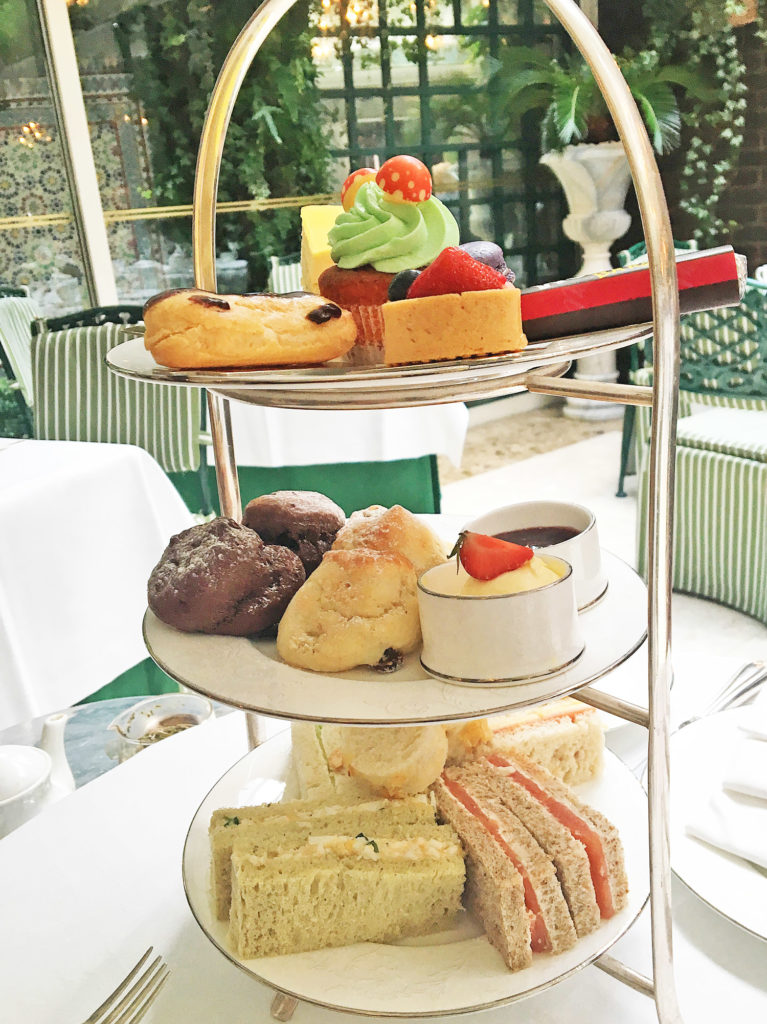 afternoon-tea-london-etagere-chesterfield-mayfair