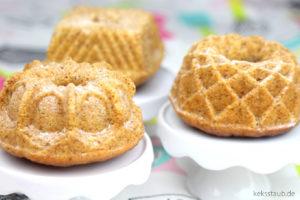 Schneller-Restekuchen-mit-Heidelbeeren-und-Nüssen-