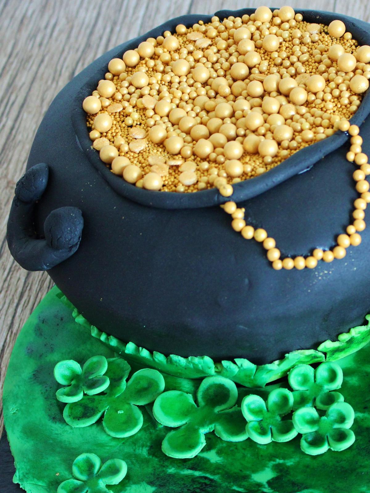 St Patrick Day Torte MainBacken