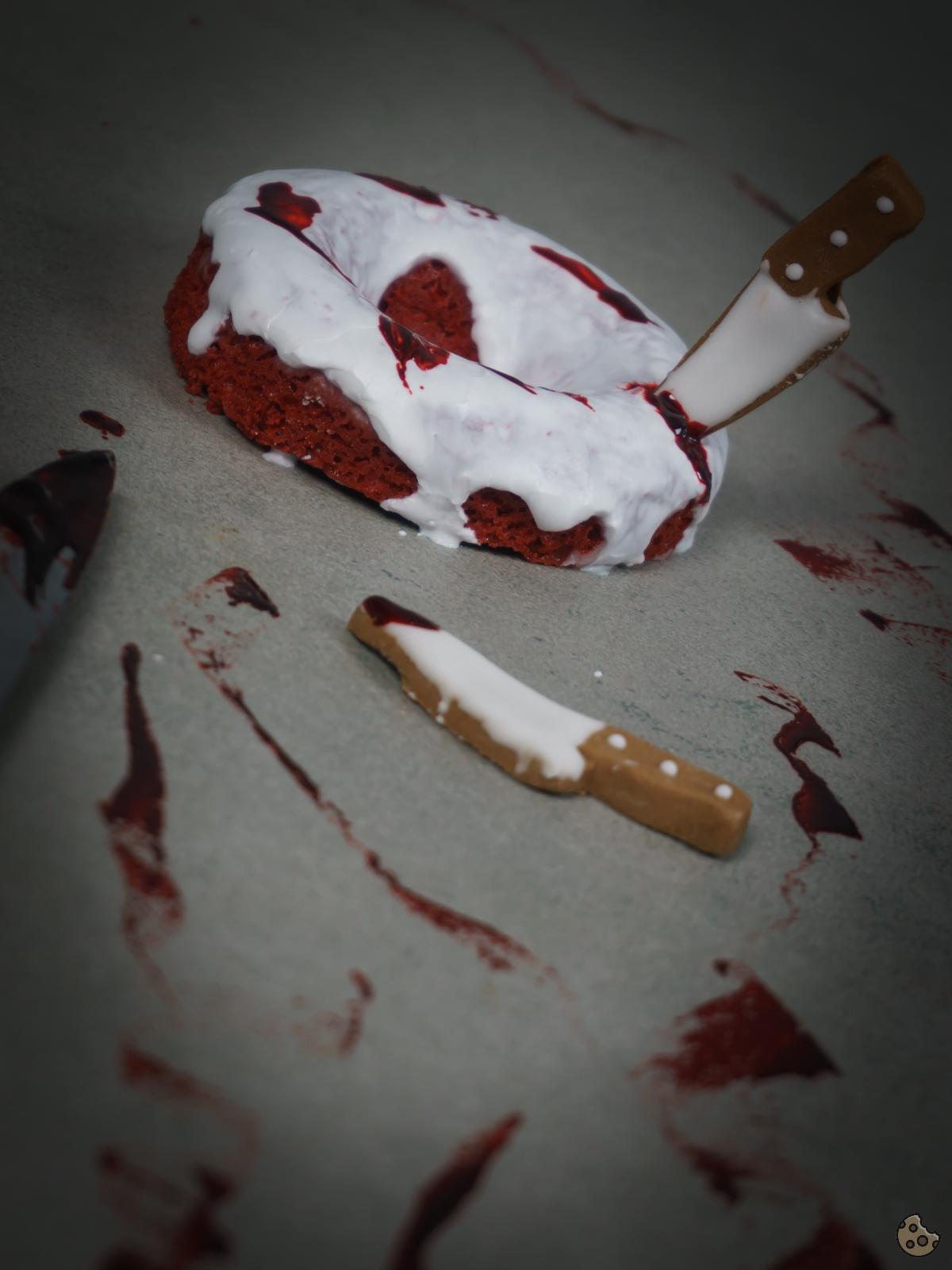 Blutige Red Velvet Donuts zu Halloween von Keksstaub